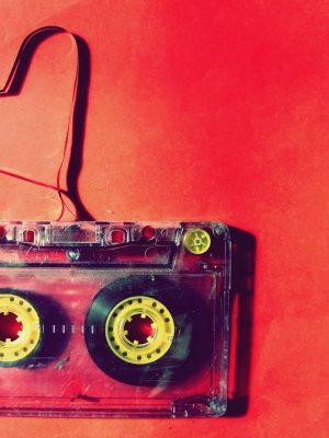 vintage-cassette-tape-2000x1657-wallpaper
